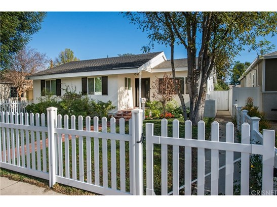 Single Family Residence, Bungalow - Encino, CA (photo 2)