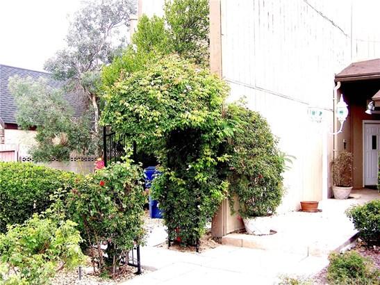 Single Family Residence - Lancaster, CA (photo 2)