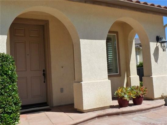 Contemporary,Mediterranean, Single Family Residence - Castaic, CA (photo 3)