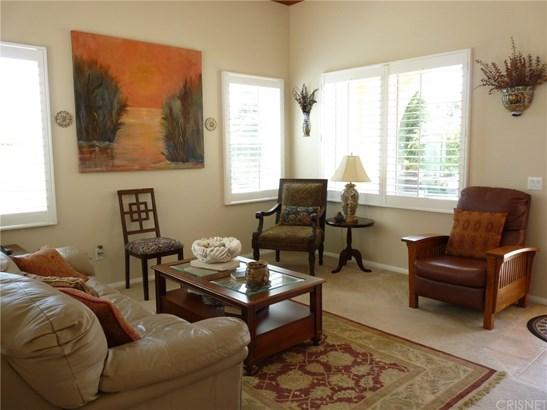 Contemporary,Mediterranean, Single Family Residence - Castaic, CA (photo 4)