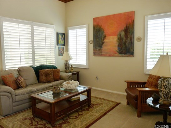 Contemporary,Mediterranean, Single Family Residence - Castaic, CA (photo 5)