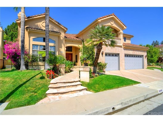 Mediterranean, Single Family Residence - Woodland Hills, CA