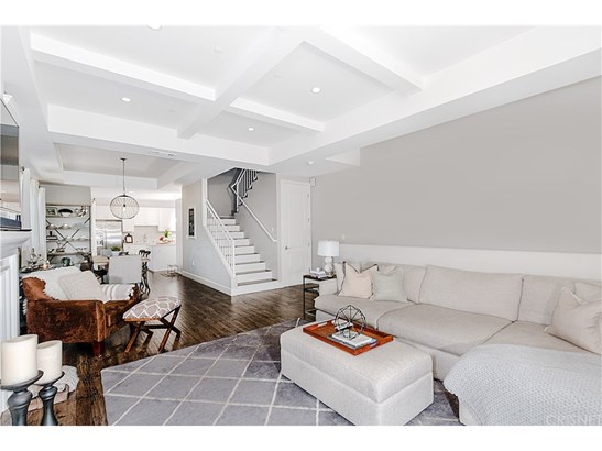 Townhouse, Contemporary - North Hollywood, CA (photo 4)