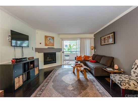 Condominium - Woodland Hills, CA (photo 1)