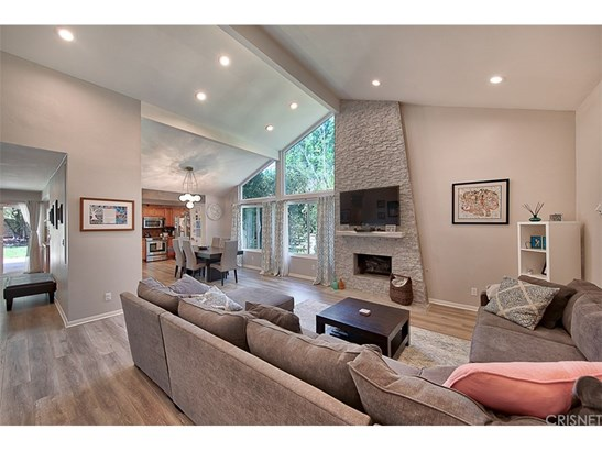 Single Family Residence - Westlake Village, CA