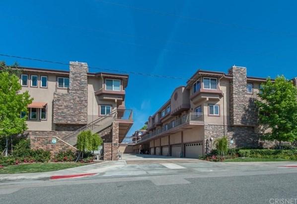 Mediterranean,Modern, Townhouse - Agoura Hills, CA (photo 2)