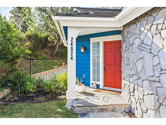 Single Family Residence, Traditional - West Hills, CA (photo 2)