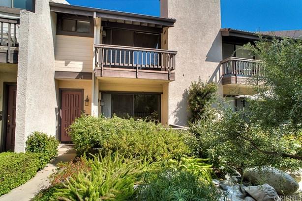 Townhouse - Woodland Hills, CA