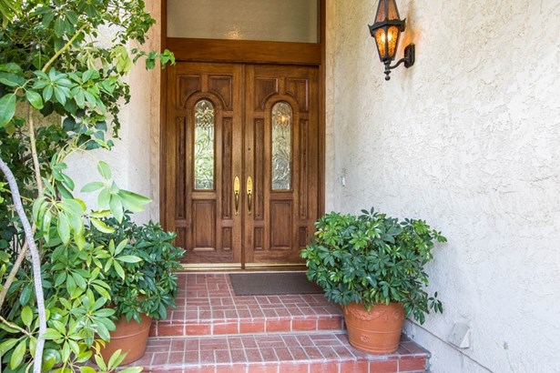 Single Family Residence, Traditional - Porter Ranch, CA (photo 3)