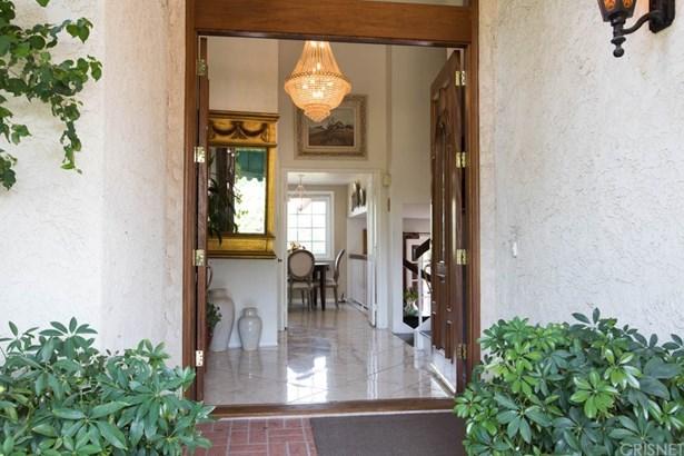 Single Family Residence, Traditional - Porter Ranch, CA (photo 4)