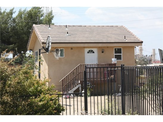 Single Family Residence - Newhall, CA (photo 1)
