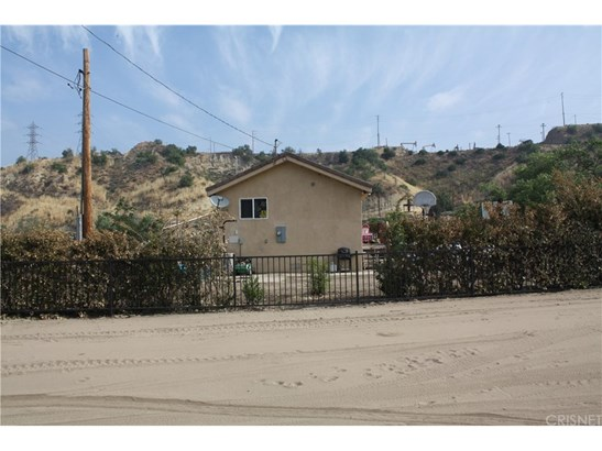 Single Family Residence - Newhall, CA (photo 5)