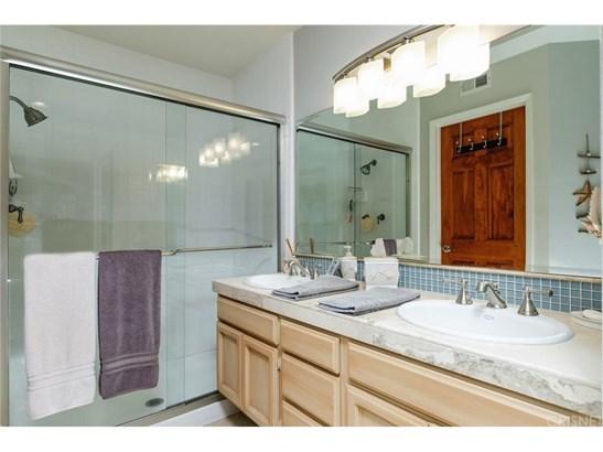 Condominium - Oxnard, CA (photo 2)