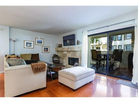 Condominium - Oxnard, CA (photo 3)
