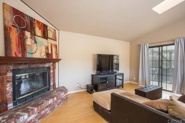 Single Family Residence, Traditional - Chatsworth, CA (photo 5)