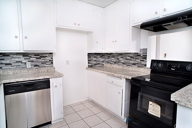 Condominium - Reseda, CA (photo 1)