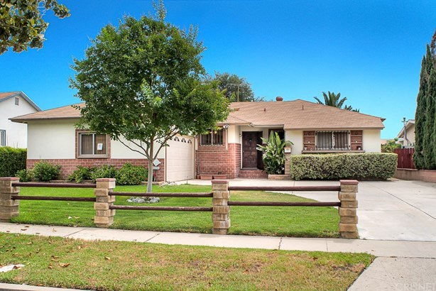 Single Family Residence, Traditional - North Hills, CA (photo 2)