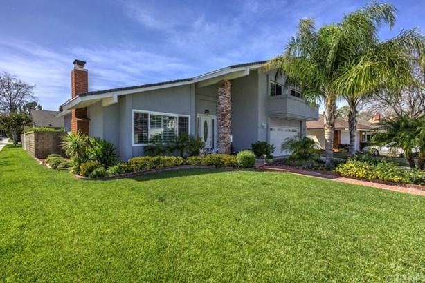 Single Family Residence, Contemporary - Valencia, CA (photo 2)