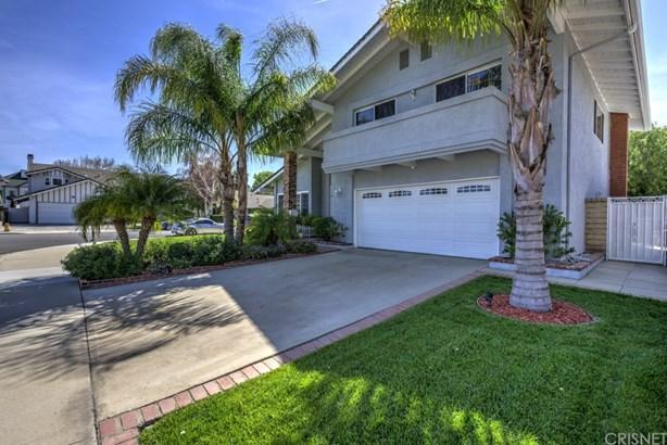 Single Family Residence, Contemporary - Valencia, CA (photo 3)