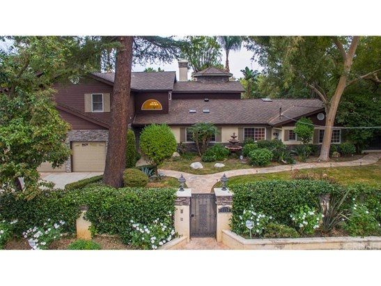 Single Family Residence, Traditional - Tarzana, CA (photo 2)
