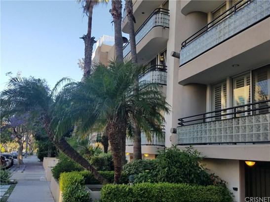 Condominium - West Los Angeles, CA (photo 3)