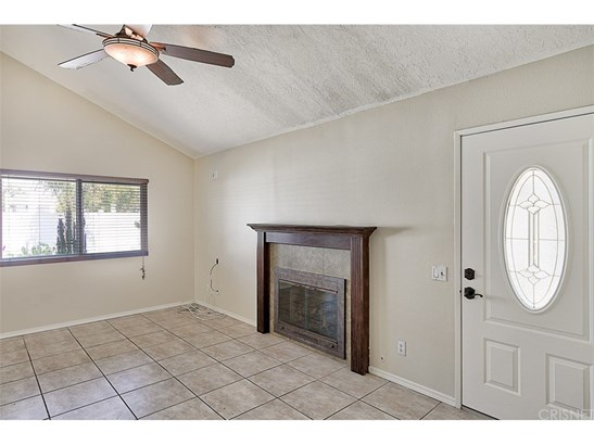 Townhouse, Traditional - Newhall, CA (photo 4)