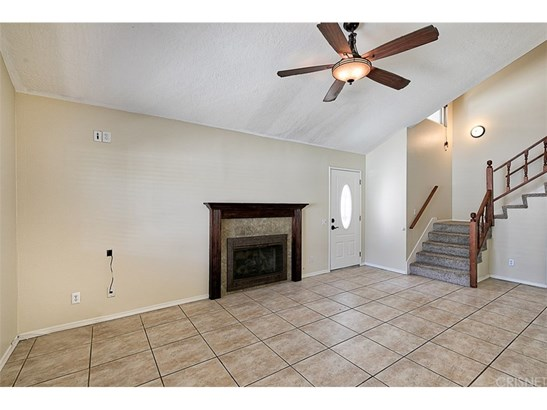 Townhouse, Traditional - Newhall, CA (photo 5)