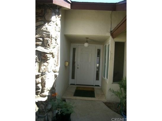 Single Family Residence - Reseda, CA