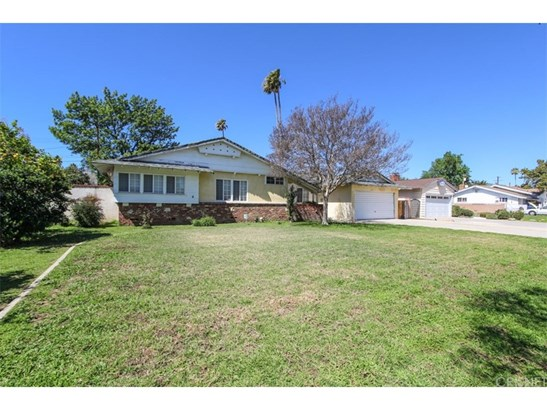 Ranch,Traditional, Single Family Residence - Northridge, CA (photo 4)