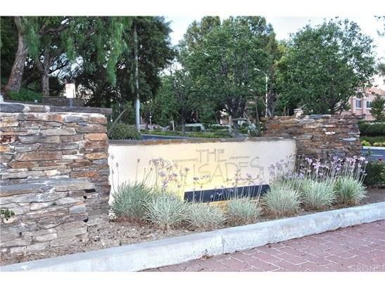 Condominium, Contemporary - Stevenson Ranch, CA (photo 2)