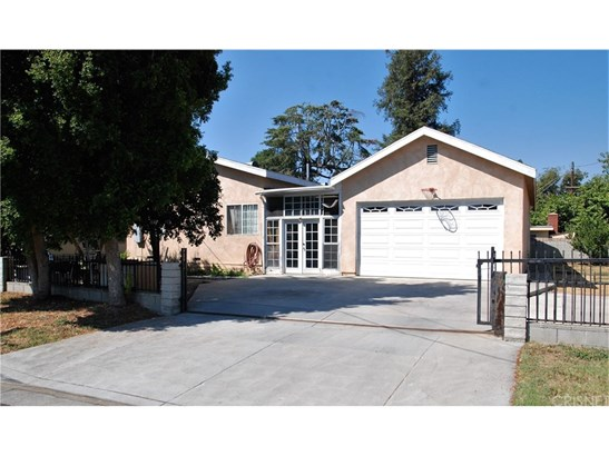 Single Family Residence, Traditional - Reseda, CA (photo 3)