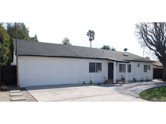Single Family Residence, Traditional - Reseda, CA (photo 5)