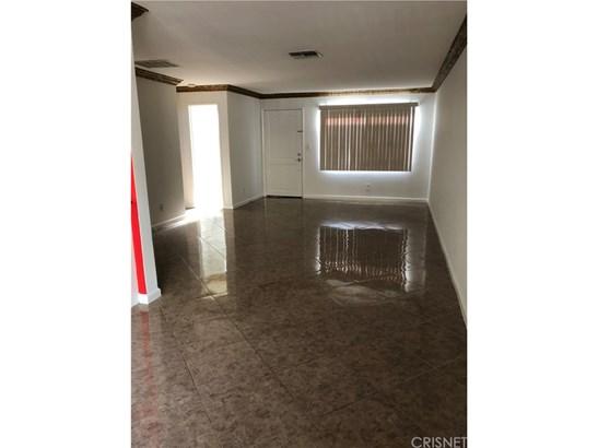 Condominium - Winnetka, CA (photo 4)