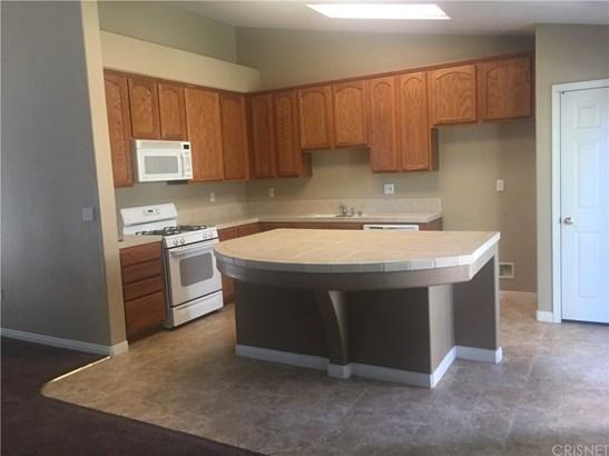 Single Family Residence - Bakersfield, CA (photo 5)