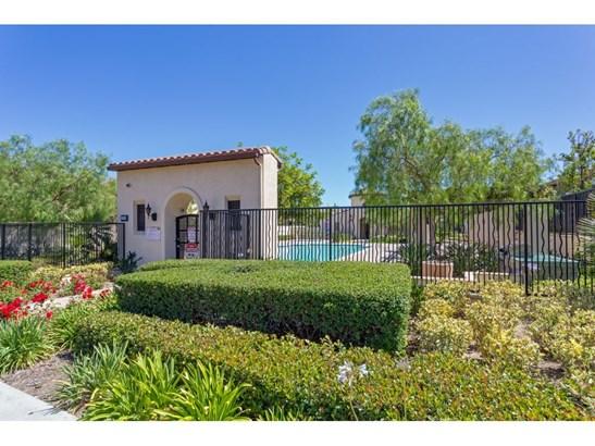 Single Family Residence - Northridge, CA (photo 2)