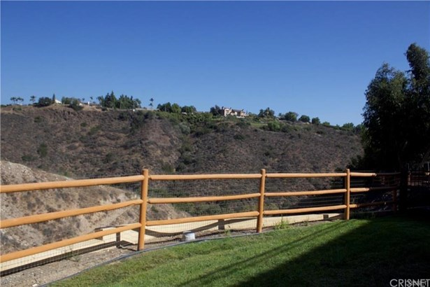 Single Family Residence, Spanish - Camarillo, CA (photo 4)