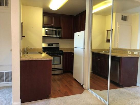 Condominium - Woodland Hills, CA (photo 4)