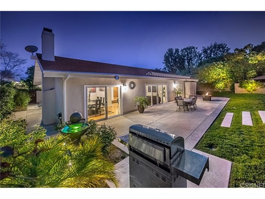Single Family Residence - Tarzana, CA (photo 4)