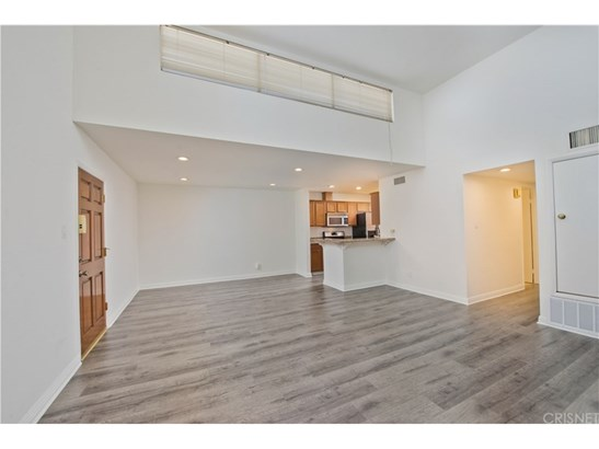 Condominium - Tarzana, CA (photo 2)