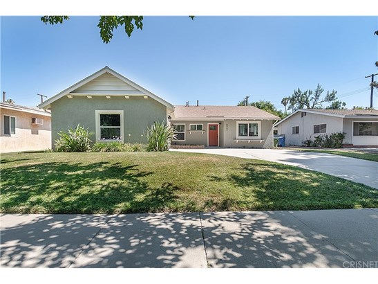 Single Family Residence - West Hills, CA