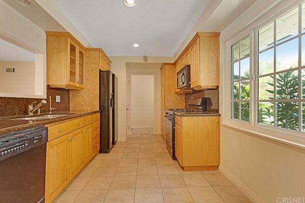 Single Family Residence - Canoga Park, CA (photo 5)