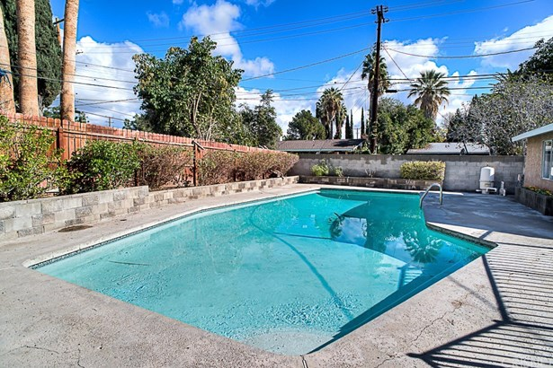Single Family Residence, Traditional - Northridge, CA (photo 3)