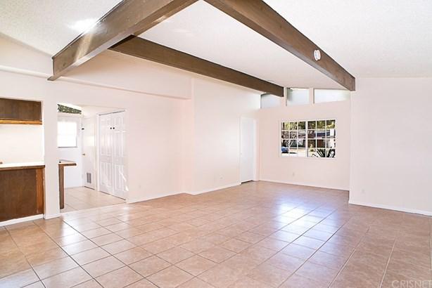 Single Family Residence, Traditional - Northridge, CA (photo 5)