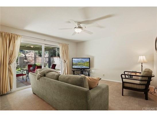 Single Family Residence, Traditional - Saugus, CA (photo 3)
