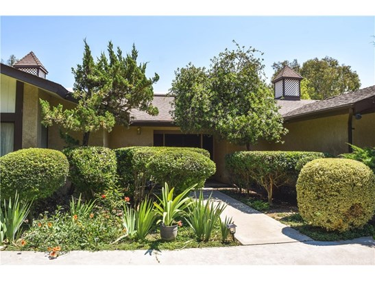 Single Family Residence - Porterville, CA (photo 2)