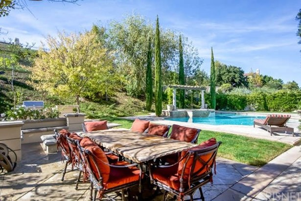 Single Family Residence - Calabasas, CA (photo 3)