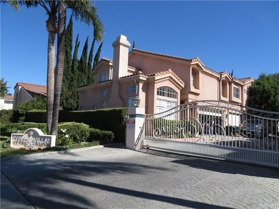 Townhouse - Northridge, CA (photo 1)