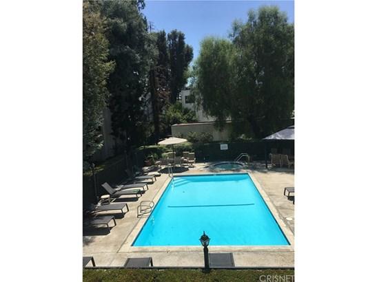 Condominium - Tarzana, CA (photo 1)