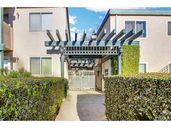 Condominium - Granada Hills, CA (photo 1)