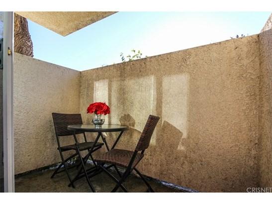 Condominium - Granada Hills, CA (photo 3)